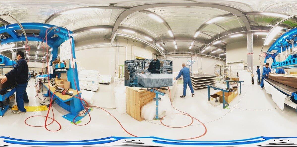 360°映像の中に2D映像が浮かび上がる映像は、「NOMA」独自の表現技法